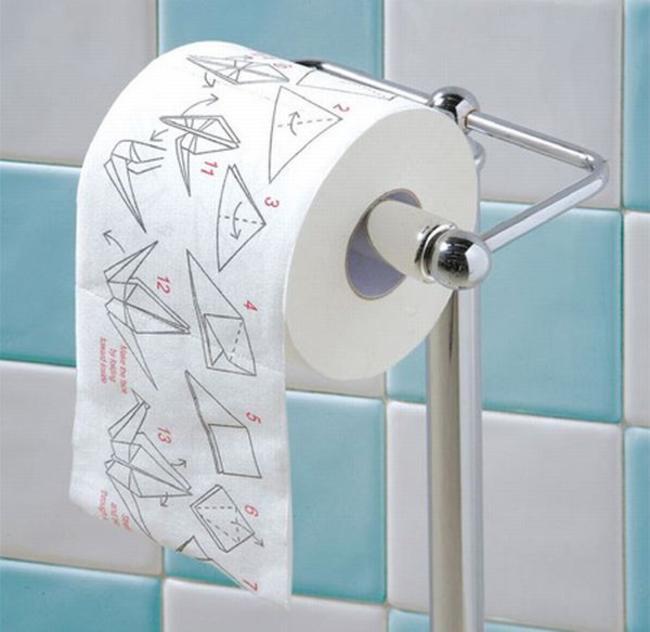 Phụ nữ có nên dùng giấy vệ sinh sau khi đi tiểu?